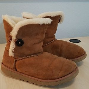 Ugg Bailey 5991 Shorties Chestnut boots size 6
